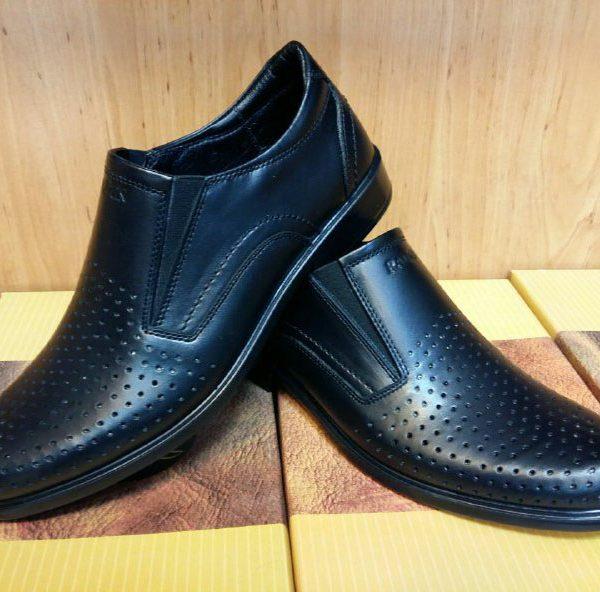 کفش رادین سوراخدار